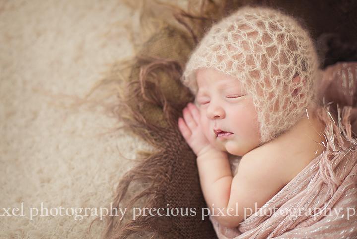 southeast mi newborn photographer, photographer monroe mi, baby photo, family,
