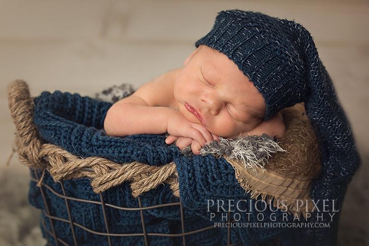 Detroit MI,newborn photographer,Precious Pixel Photography, Rose Jesky, baby photo, parent photo, family photography, Monroe