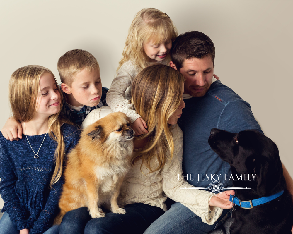precious pixel photography, family portrait, how family portraits bring you closer as a family, southeast mi family photographer,