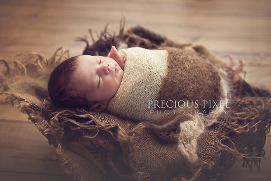 Newborn photography, baby photographer in Monroe MI, baby pic