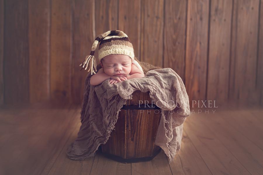 Newborn photography, baby photographer in Monroe MI, baby pic