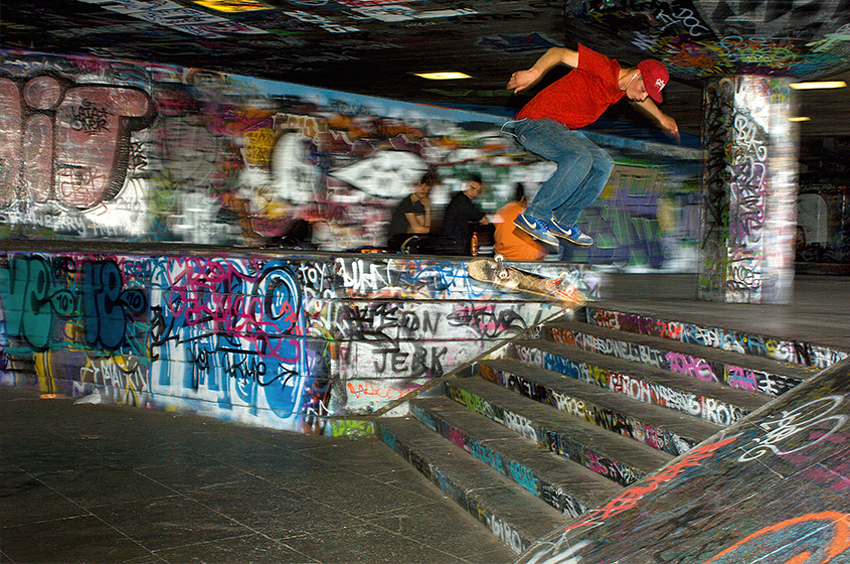 Richard-Slater_PeopleinLondon__Southbank-Skater.jpg