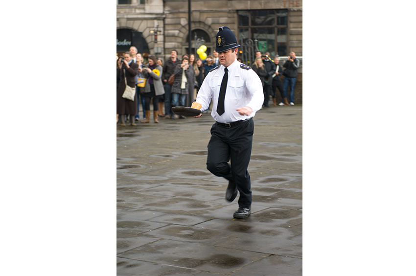 Richard-Slater_PeopleinLondon__Pancake-race.jpg