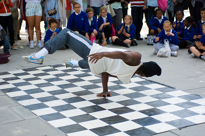 Richard-Slater_PeopleinLondon__Break Dancer.jpg
