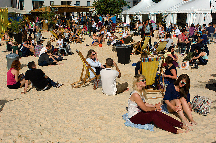 Richard-Slater_PeopleinLondon__Roundhouse-beach.jpg