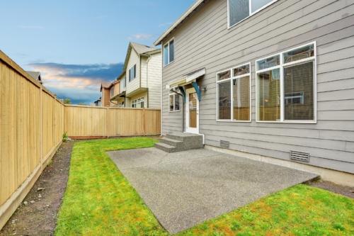 bigstock-House-Exterior-With-Mocha-Sidi-138618293.jpg