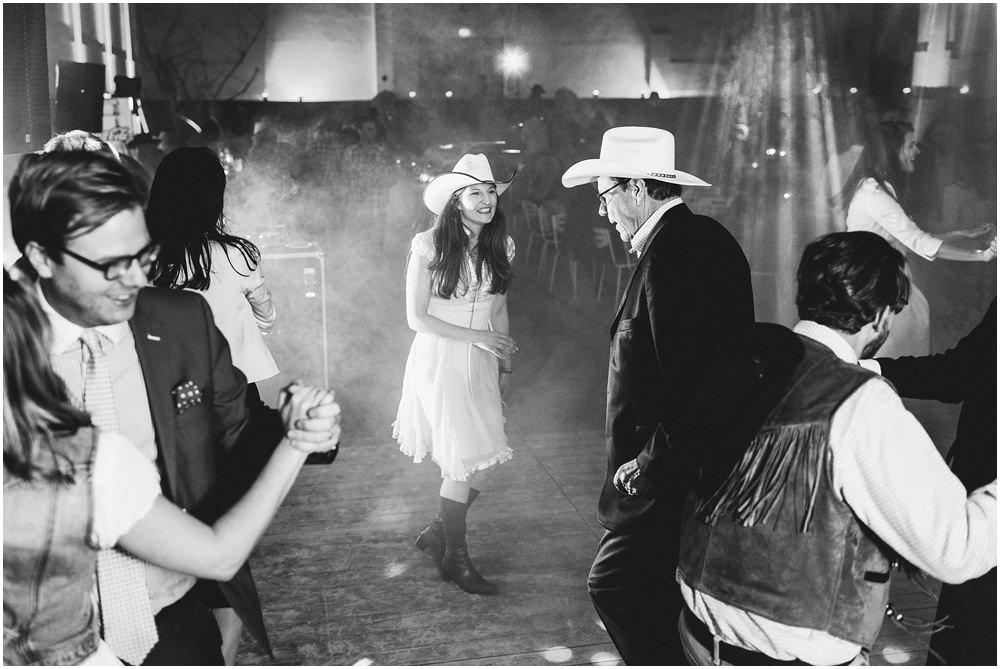 Braut und Brautvater beim Tanzen