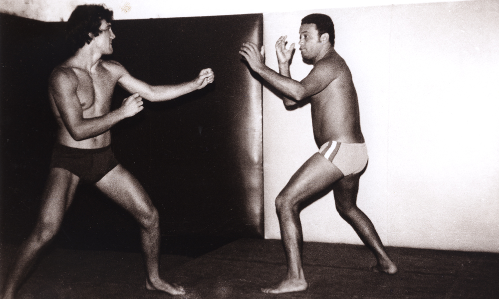 Rolls Gracie practices with his brother Carlson