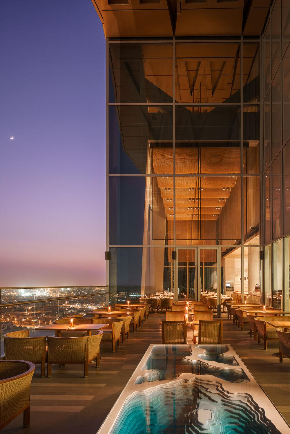 Sintoho at Four Seasons Hotel Kuwait / Kokaistudios