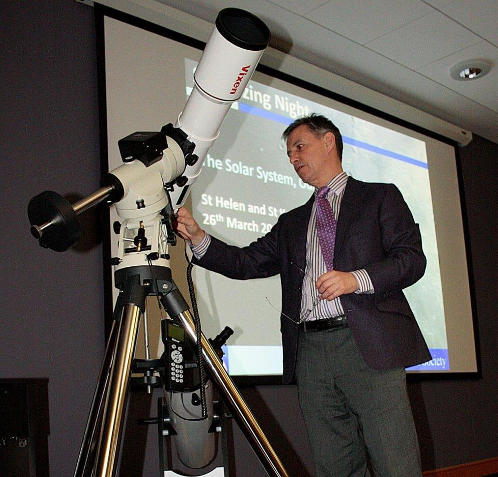 Sandy refractor demo  at St Helen and St Katherine stargazing evening