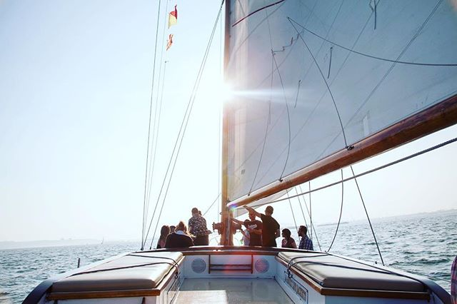 Tickets still available for our first sail of the season! June 24th, 7:30pm-10:30pm | Beer by @oldbluelastbeer & we'll be sailing underneath the Pride fireworks! Link in bio! • • • #eastvillage #avenueb #nyc #venturasails #party #sail #summertime #sunshine #instagood #instadaily #picoftheday