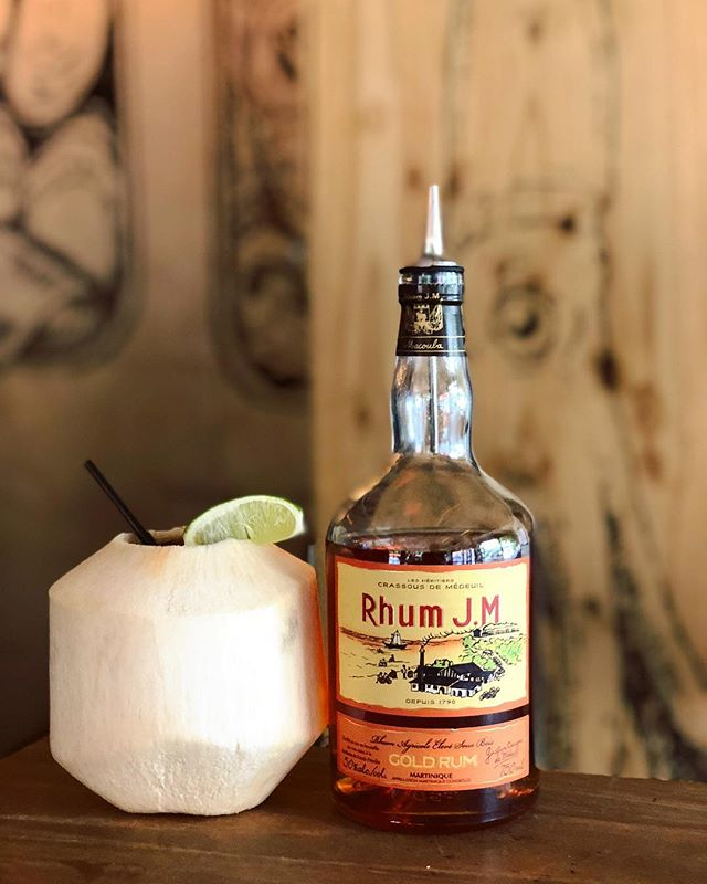 🥥She put the lime in the coconut, she drank em both up🥥 • • • #eastvillage #avenueb #nyc #nycdrinks #drinks #themaidenlane #cocktailsofinstagram #drinkup #customdrinks #craftcocktails #drinkstagram #mixology #nydrinks #thirstynyc #artofdrinks #foodandwine #craftspirits #cocktailculture #coconut #coconutandrum #instagood #instadaily #picoftheday