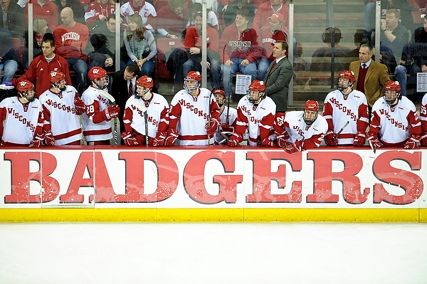 UW Men's Hockey