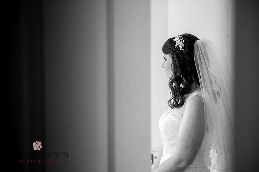 Essex Wedding Photography at Pontlands Park_0020.jpg