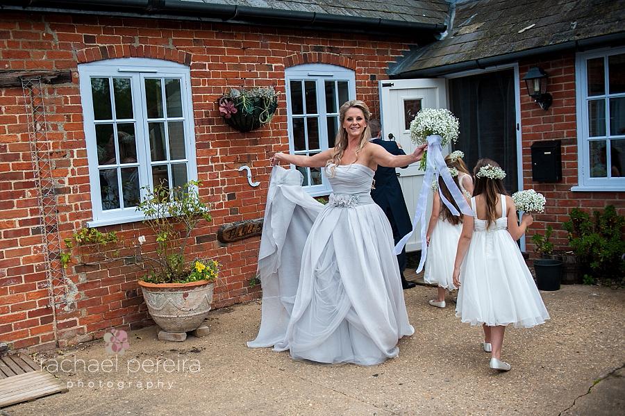 snape-maltings-suffolk-wedding_0019.jpg