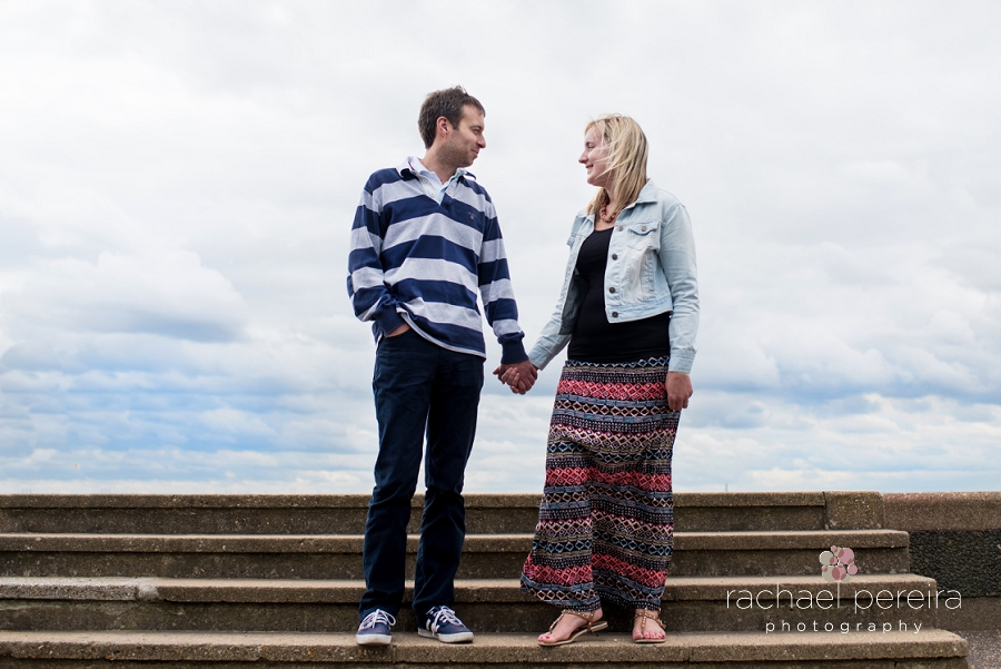 southend-aquarium-engagement_0016.jpg