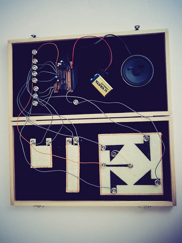 kvadrat_mini_synth_textile-controllers_2013.jpg