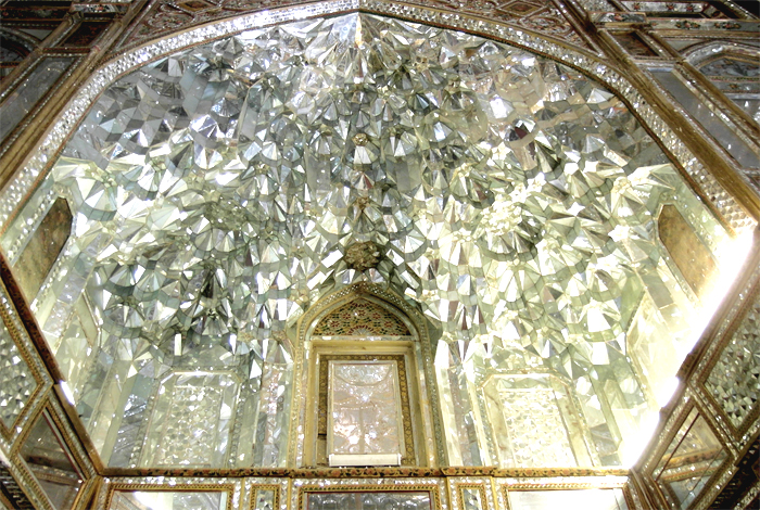 Golestan-Palast-in-Teheran-Spiegel.jpg