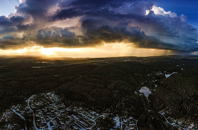 Some crazy thunderstorms over Oslo this evening ⛈️ Shot with the Mavic Air