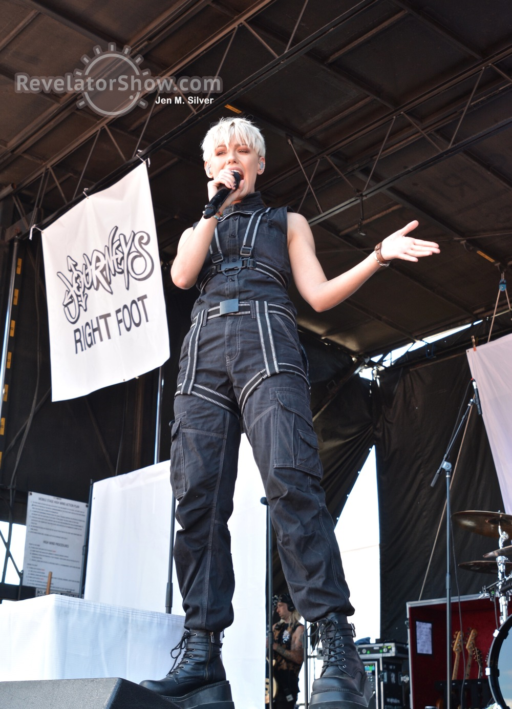 Tonight Alive03.jpg