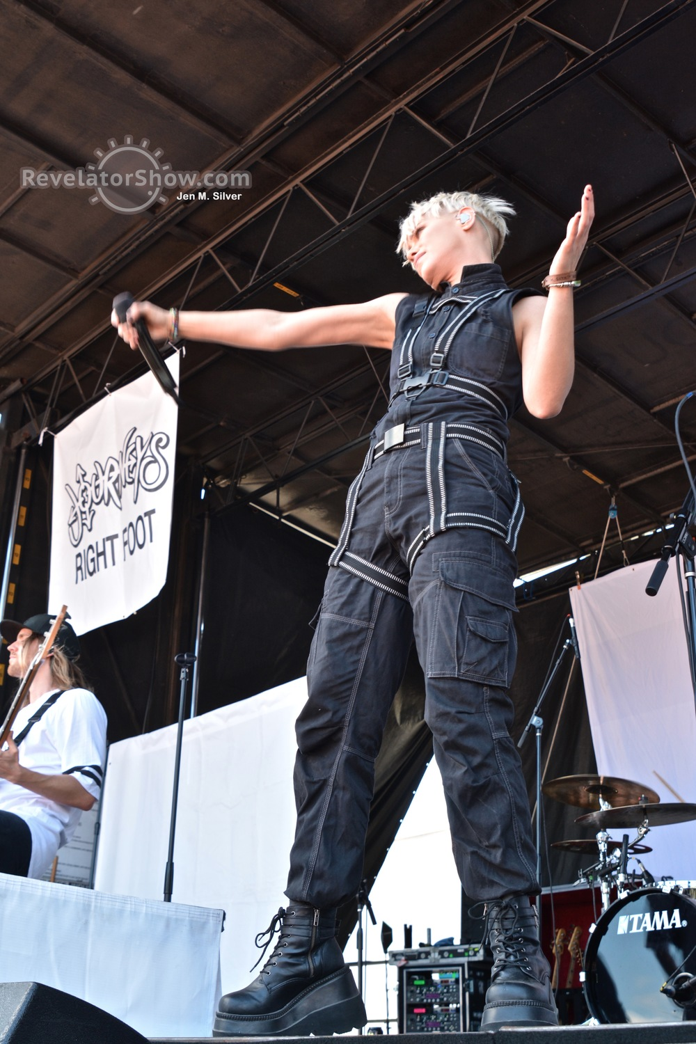 Tonight Alive08.jpg