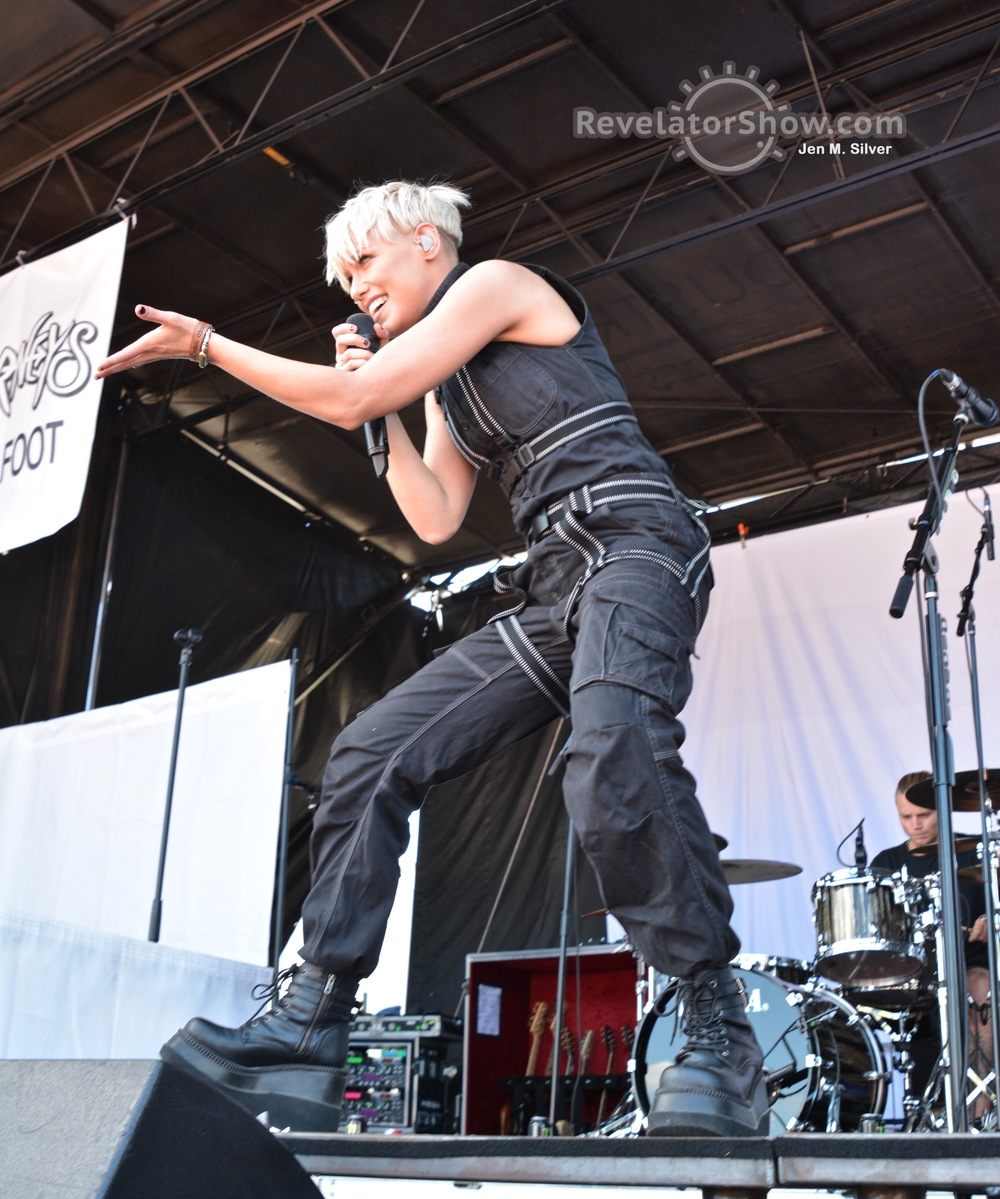 Tonight Alive011.jpg