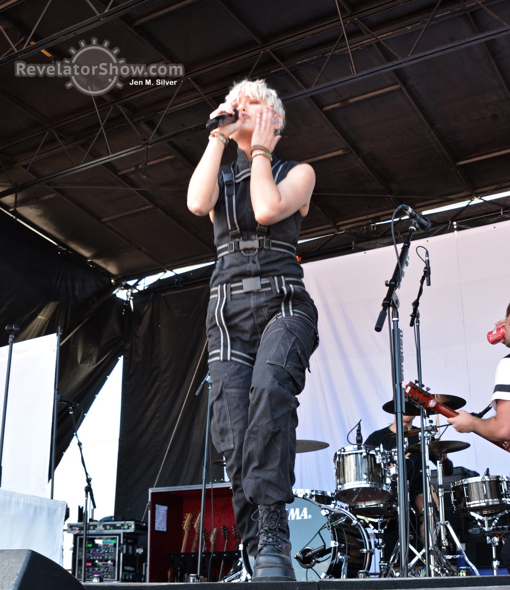 Tonight Alive012.jpg