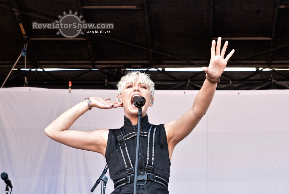 Tonight Alive14.jpg