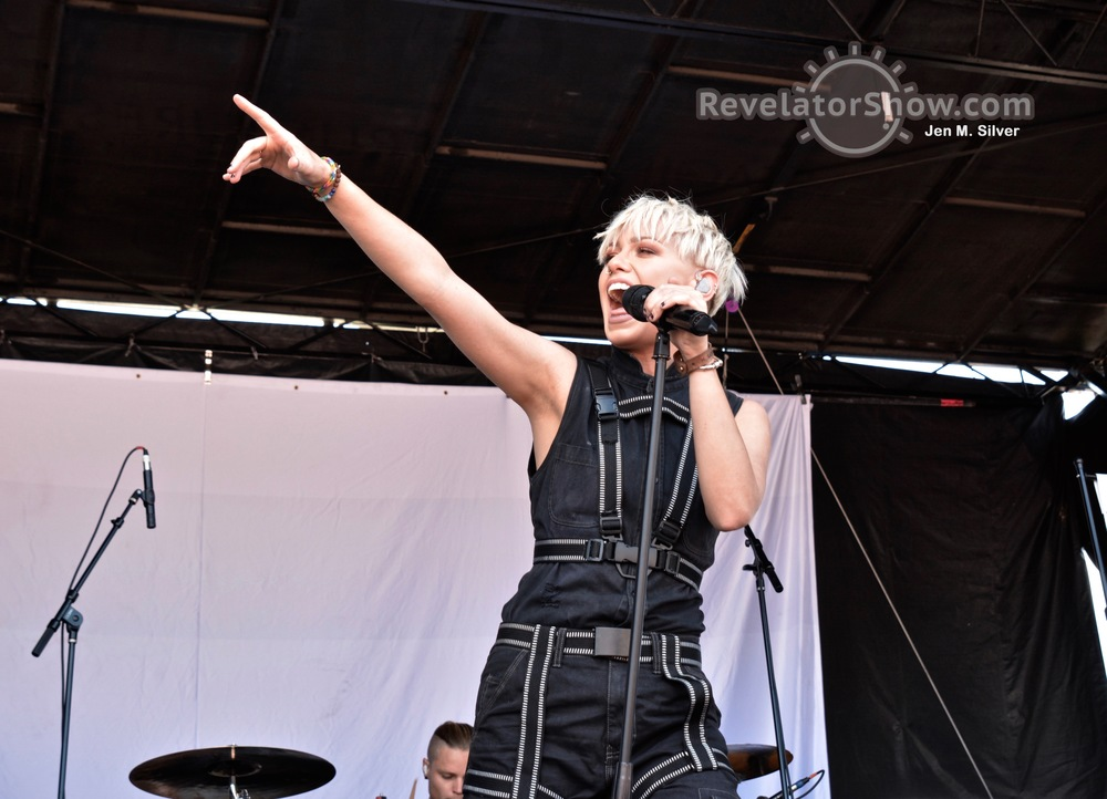 Tonight Alive15.jpg