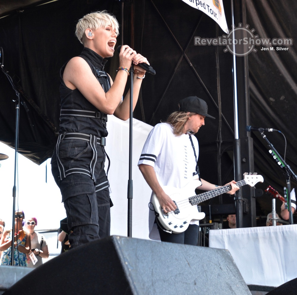 Tonight Alive16.jpg