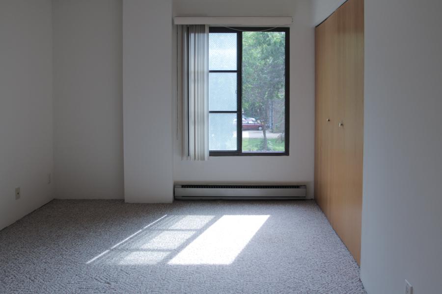 Bedroom 03-0293.jpg