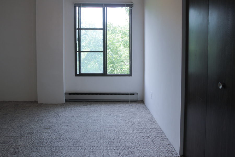 Bedroom 07-0193.jpg