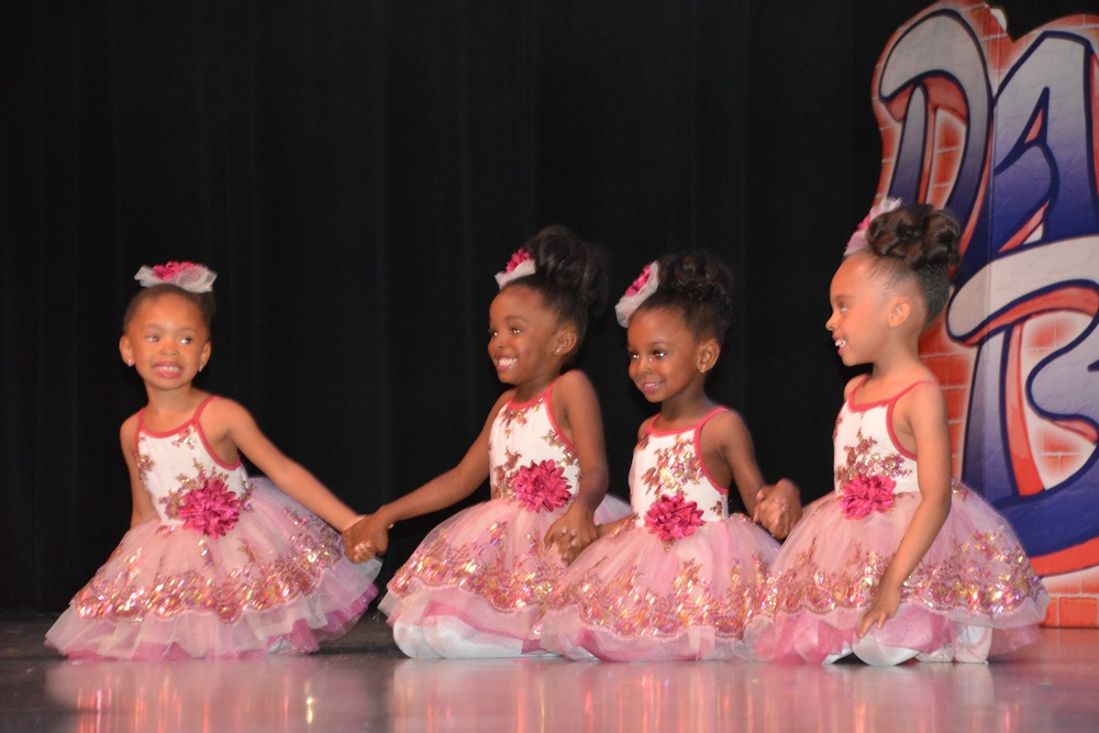 3 and 4 year olds performing in the 2016 showcase