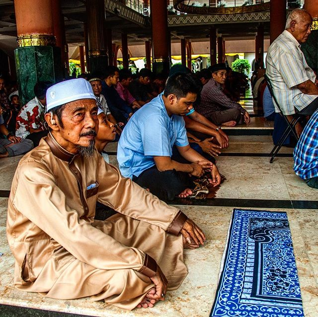 We send students to explore themselves and learn about their neighbors. Empathy is a high value. We remember our friends and partners in Indonesia during this season of Ramadan as they fast and pray. #gapyear #Indonesia #philadelphia #empathy #liveadventurously