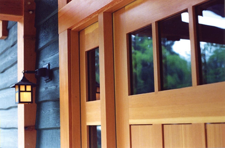 Detail of clear vertical grain entry door. D12