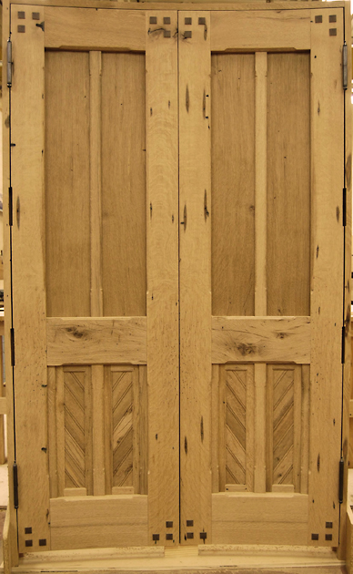 custom_curved_oak_doors.jpg