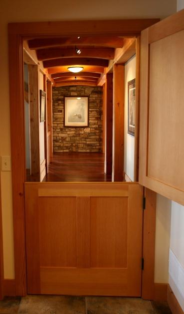 Split door. D47