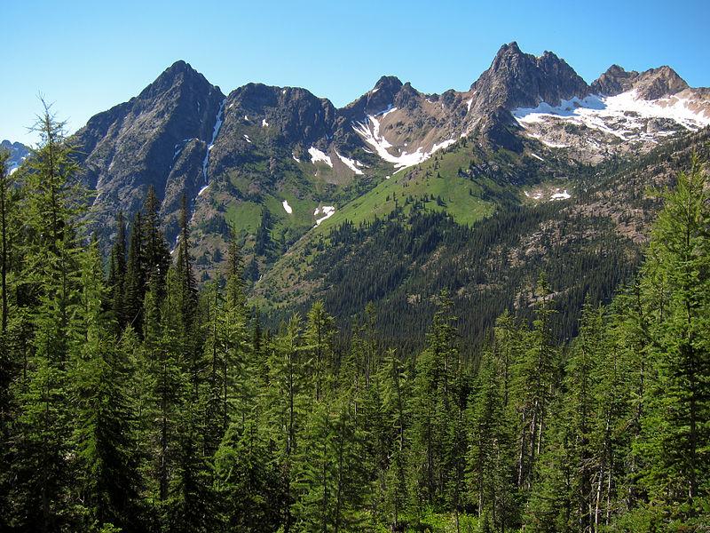 800px-North_Cascades_at_Okanogan_National_Forest.jpg