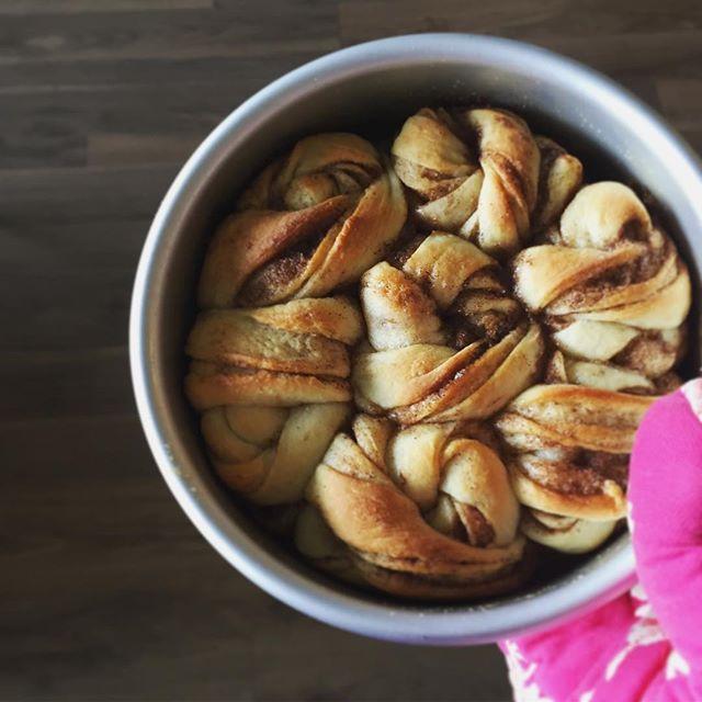 Sunday mornings are for cinnamon rolls #whiskmeawaysf