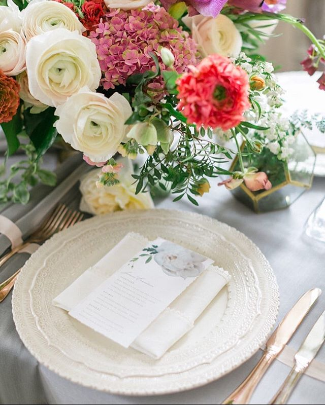 Featured on @stylemepretty, loose runners, organic blooms and deckled edge menus for an effortlessly romantic tablescape. Led by @ashleypigottevents and Shot at @graydonhall_couturecuisine by @corinavphotography, florals @nousdesigngroup, linens and decor @simplybeautifuldecor, chargers, cutlery and glassware @plateoccasions,  video @imageslifemedia , cake @patriciascakecreations , model @plutinogroup @sami_pierre , make and hair @oliviahabeauty , dress and shoes @kleinfeldcanada , jewelry @xamdiamonds , favours @sloanetea