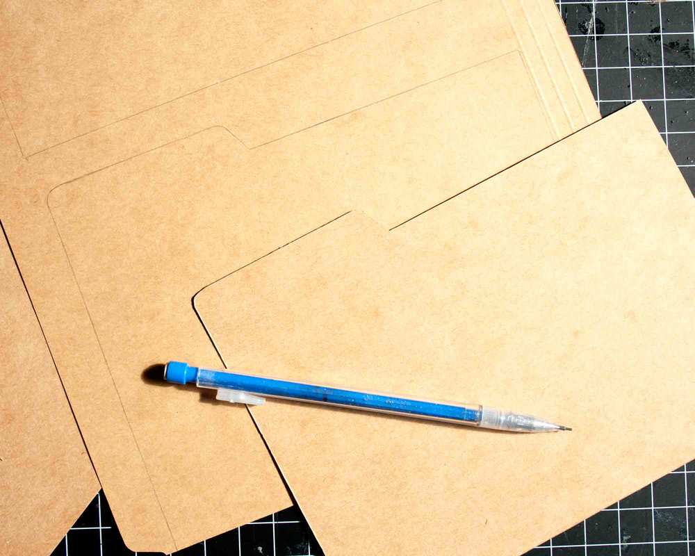 Thrifty Thursday - DIY Card Box || myonlysunshineblog
