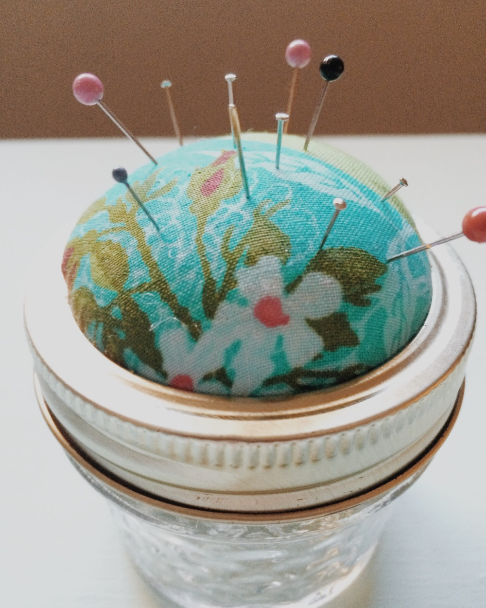 DIY Pincushion (click through for tutorial)