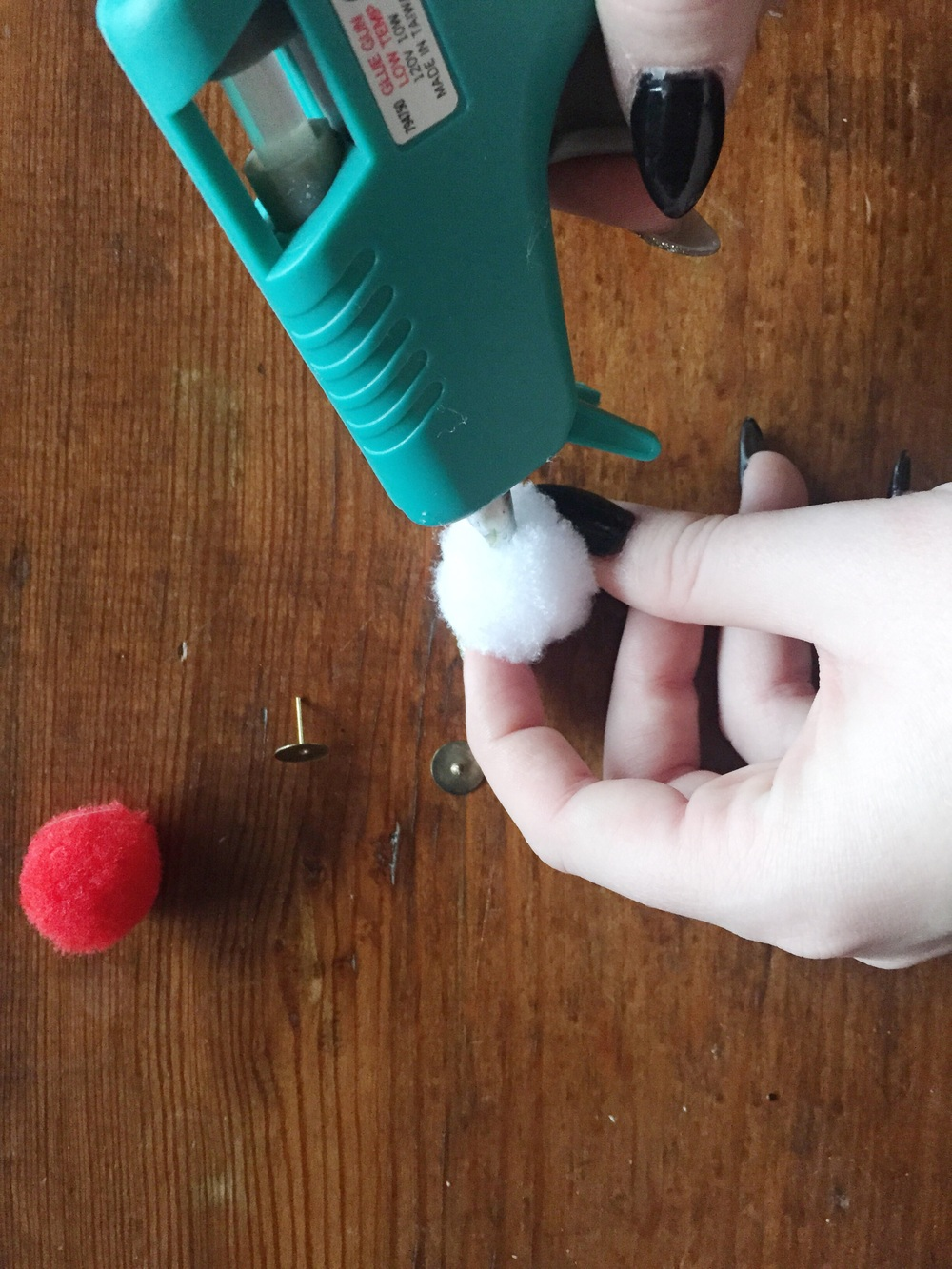 Making DIY tacky accessories (click through for tutorial)