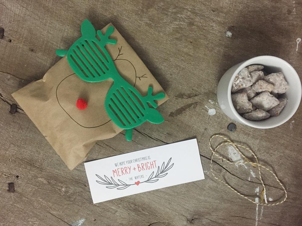 DIY Neighbor Christmas Gifts (click through for details)