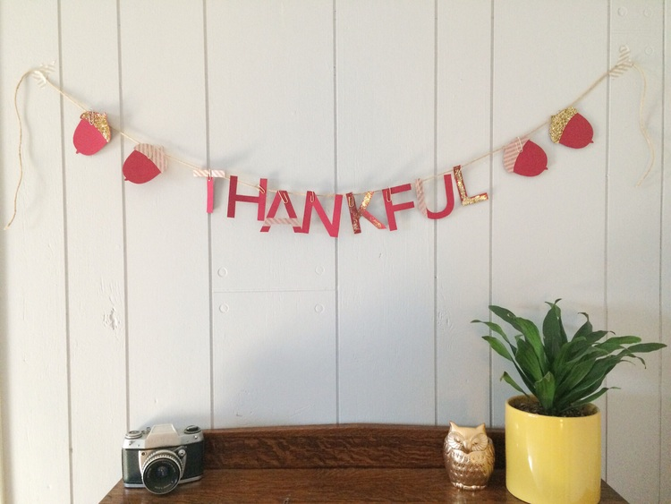DIY+Printable+Thankful+Garland+(click+through+for+tutorial).jpg