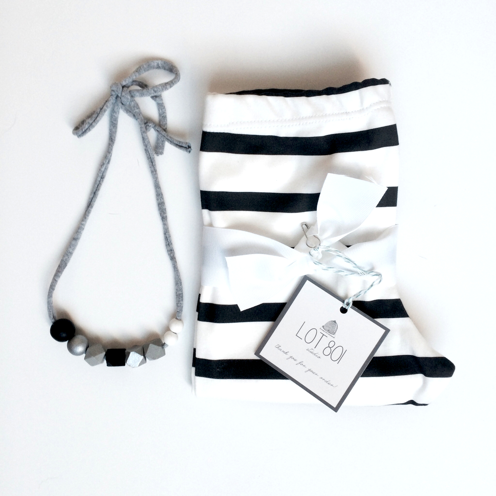 Lot801 Jailbreak leggings & Coral + Cloud grayscale/monochrome necklace