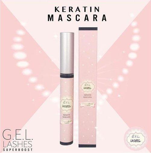 KERATIN MASCARA    G.E.L. Lashes Keratin Mascara er et must for de som ønsker å ivareta vippene på beste måte, samt forlenge effekten av G.E.L. Lashes vippeløft behandlingen.    Denne transparente, glossy mascaraen kan brukes alene - den kan også brukes som primer under sort mascara - gir fukt og næring, samt styrker vippene.    G.E.L. Lashes Keratin Mascara hjelper også vippene med å beholde den løftede og ryddige fasongen, selv etter en god natts søvn