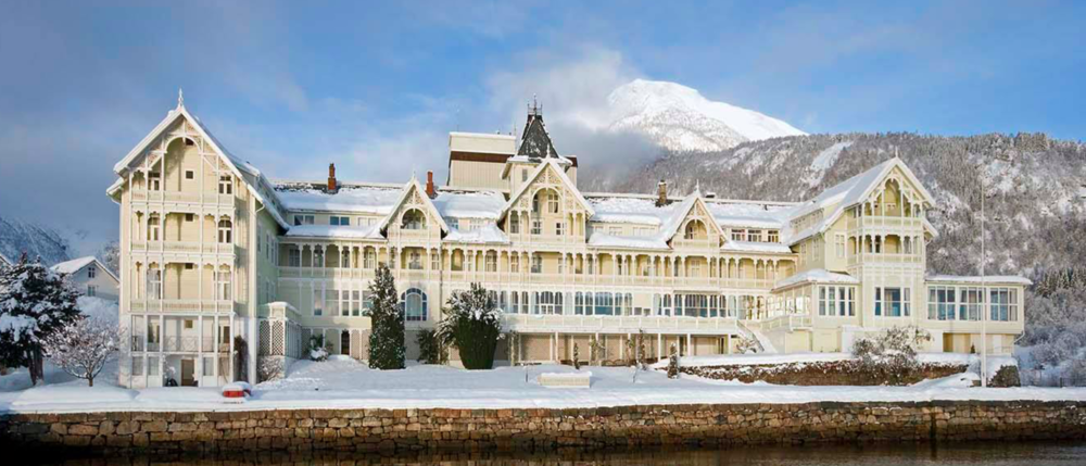 Kviknes Hotel.png