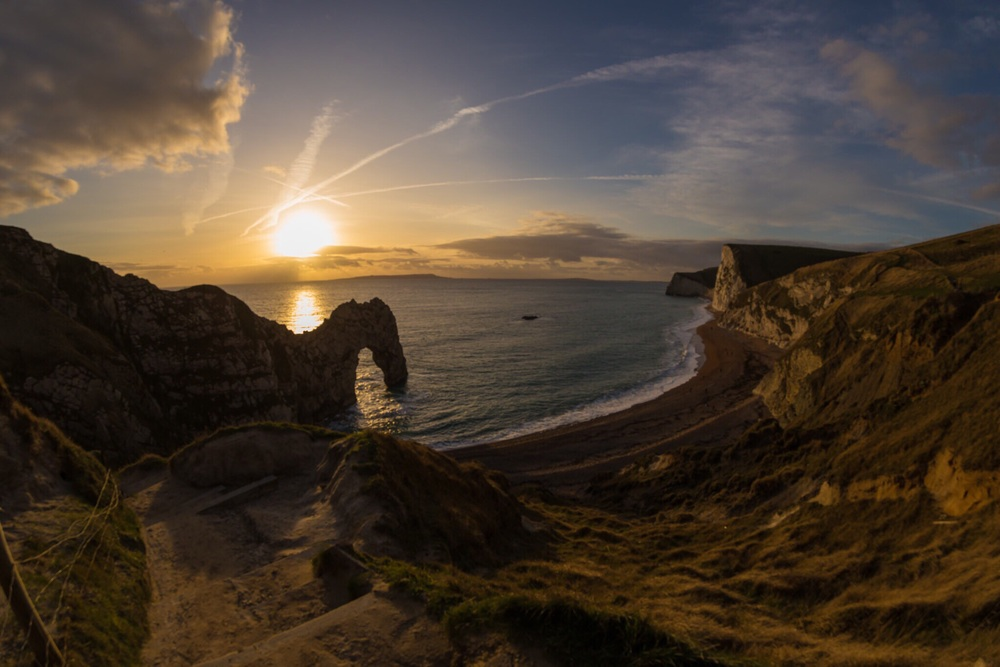 A stnning sunset shot of Durdle Door.