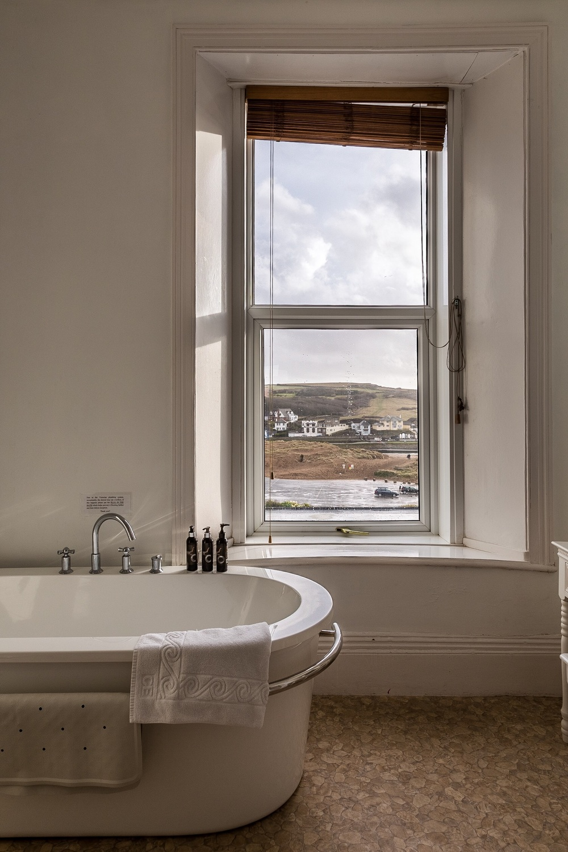 Bathroom, Edgcumbe Hotel, Bude, by Rick McEvoy interior photographer in Cornwall